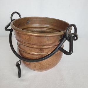 Antique vintage hammered Copper pot kettle planter